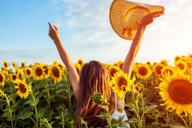 RETO 1 de verano,¿Serás capaz de encontrar algún ingrediente de perfume en tus paseos por el campo?